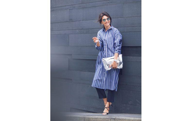 【2】ネイビーパンツ×青ストライプシャツワンピース