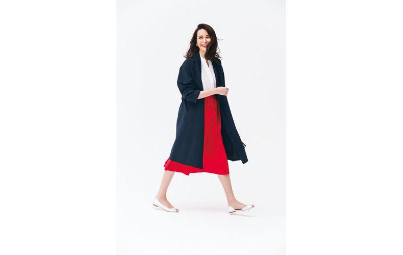【6】ネイビーコート×赤スカート×白ブラウス