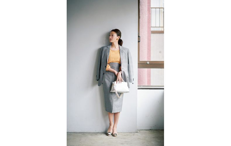 【3】グレンチェックジャケット×オレンジブラウス×グレンチェックスカート