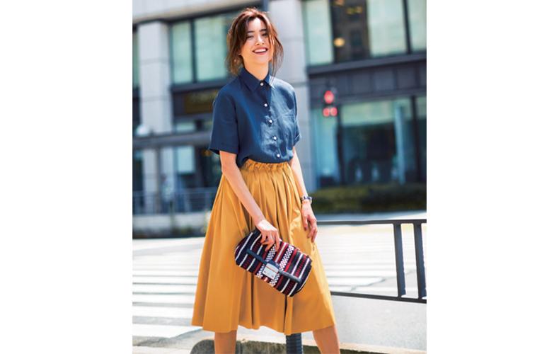 【8】ネイビーシャツ×黄色スカート