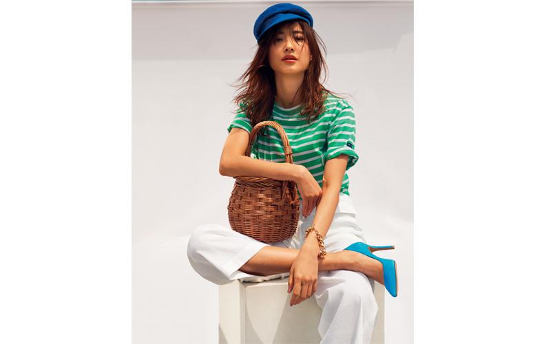 【6】緑ボーダーTシャツ×白ワイドパンツ