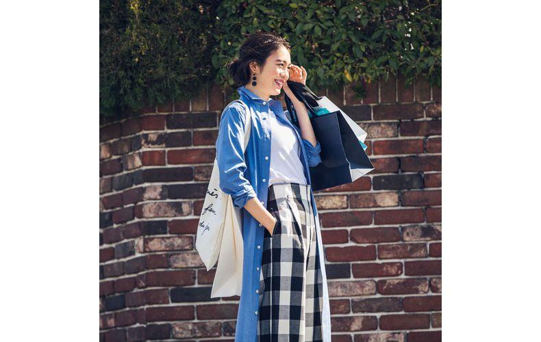 【10】青シャツワンピ×ギンガムチェックワイドパンツ×ユニクロの白Tシャツ(J)