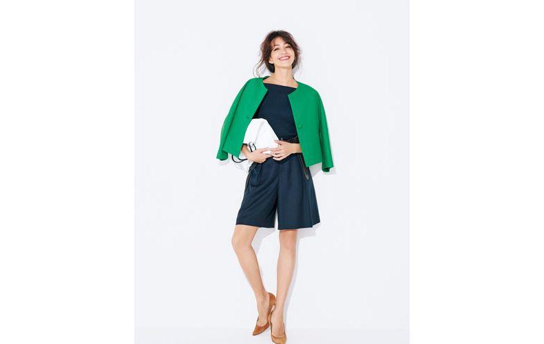 【3】紺ショートパンツ×緑ノーカラージャケット