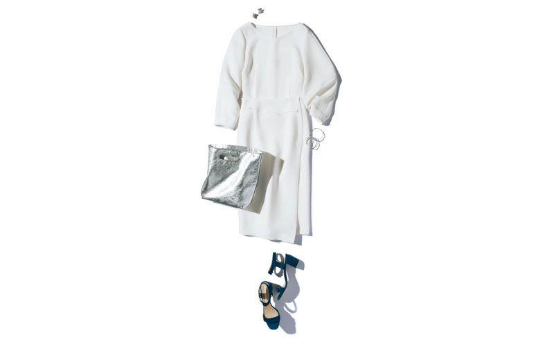 【3】白プルオーバー×白タイトスカート