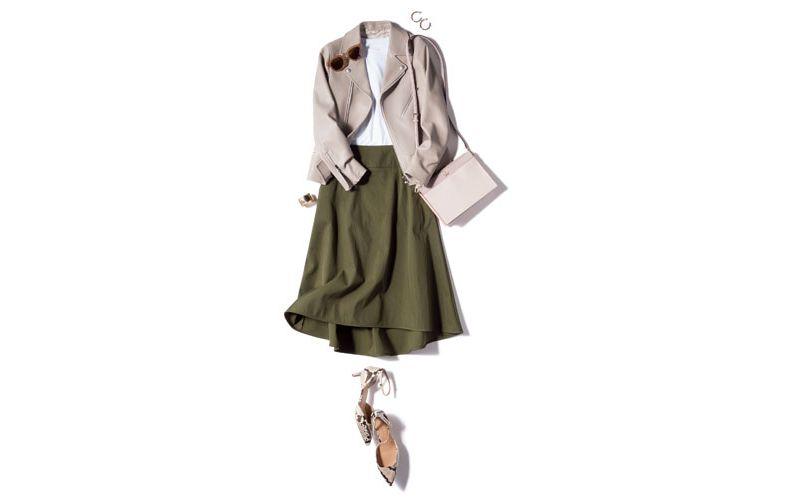 【6】ベージュジャケット×白カットソー×カーキフレアスカート