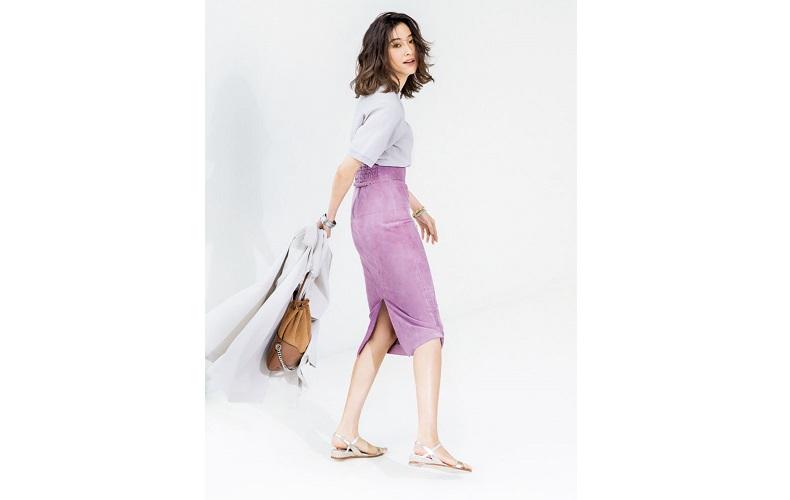 【5】グレー半袖ニット×パープルタイトスカート