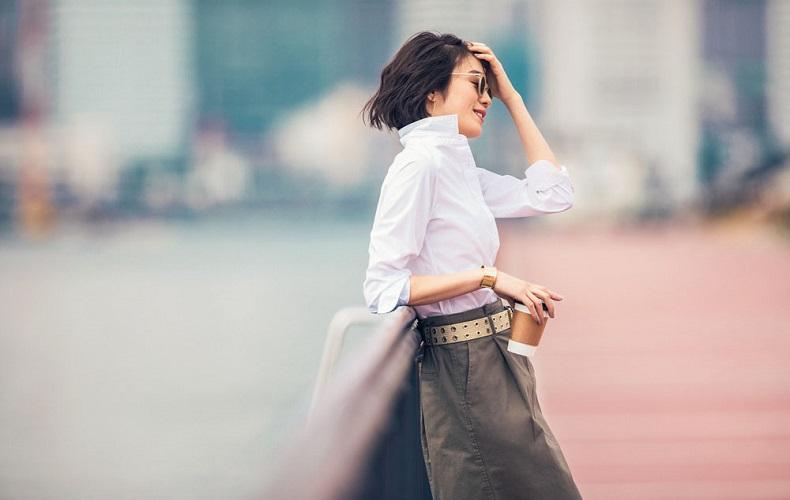 【2】カーキスカート×無印白シャツ