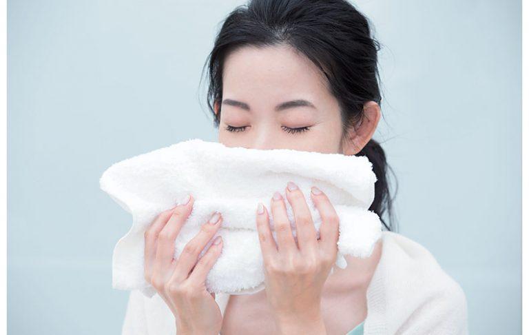洗顔前のホットタオルで汚れを落としやすく