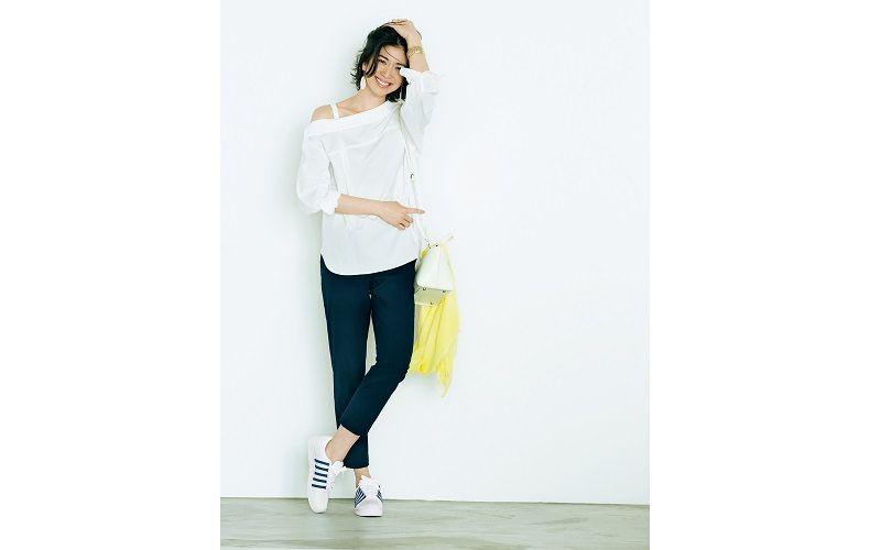 【6】白ブラウス×黒ズボン