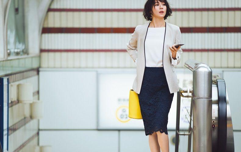 【10】リネンジャケット×白」ブラウス×ネイビーレーススカート