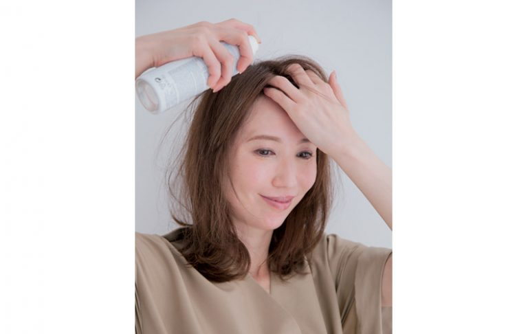 1.つぶれた前髪は、一度濡らしてクセを取る
