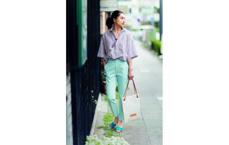 【6】水色パンツ×ストライプシャツ