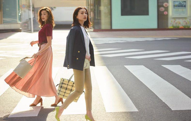 【5】赤カットソー×ピンクスカート×赤パンプス