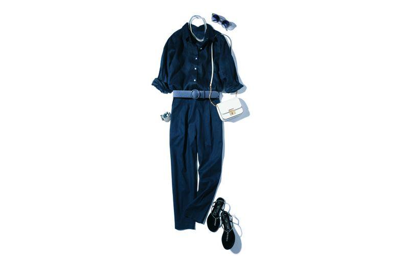 【8】ネイビーのドレスシャツ×ネイビーパンツのセットアップ