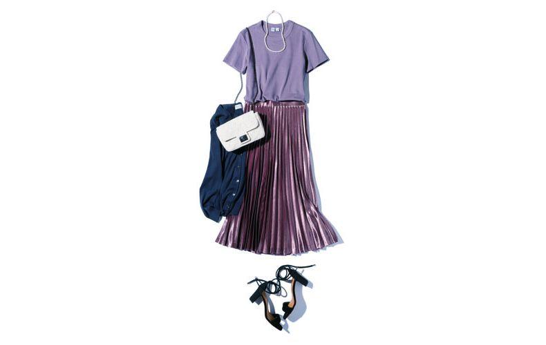 【2】プリーツロングスカート×ユニクロのパープルTシャツ