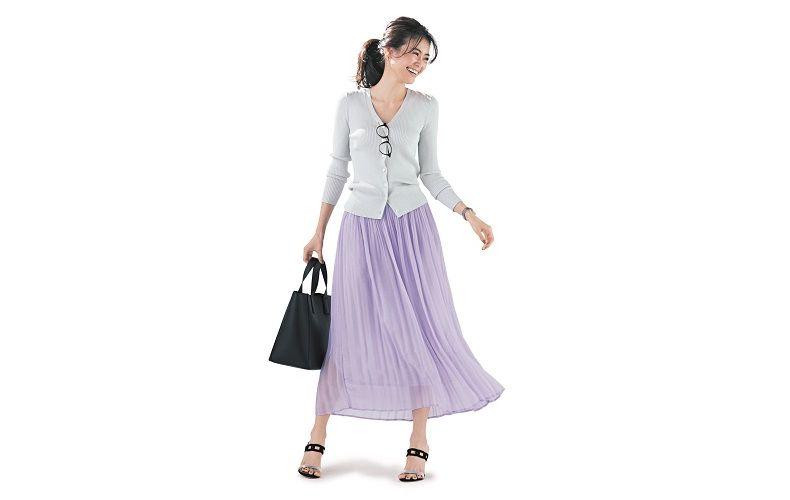 【9】白カーディガン×ラベンダープリーツスカート