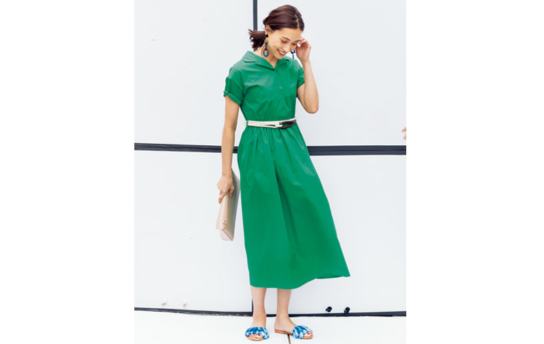 【1】ベルト×緑ワンピース