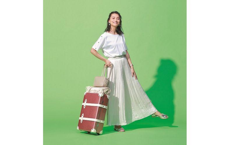 【7】白トップス×白スカート