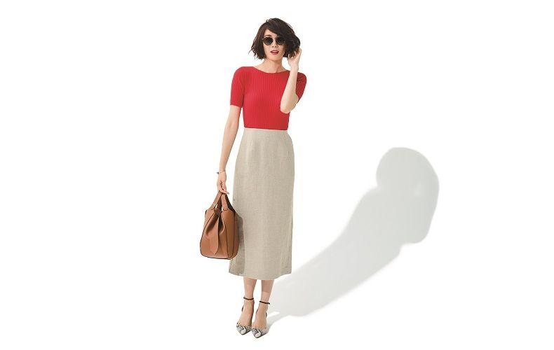 【6】オレンジニット×ベージュタイトスカート