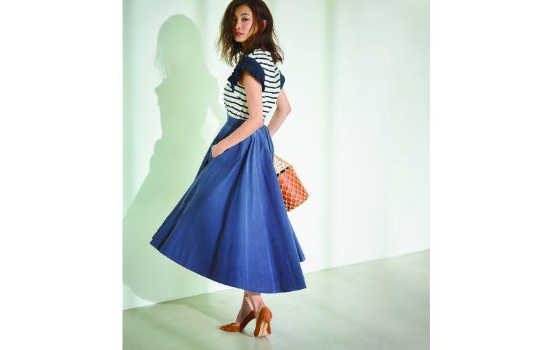 【2】ボーダートップス×青フレアスカート
