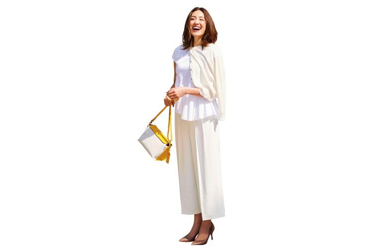 【6】白ニット×白カーディガン×白パンツ