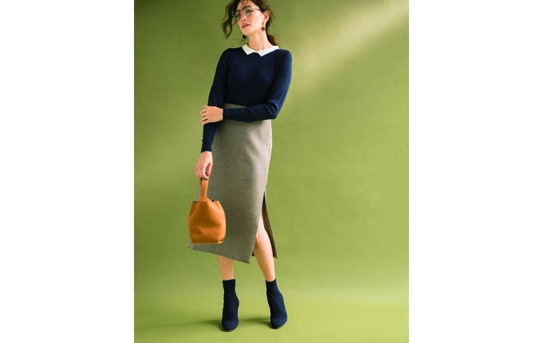 【9】グレンチェックタイトスカート×ネイビーニット