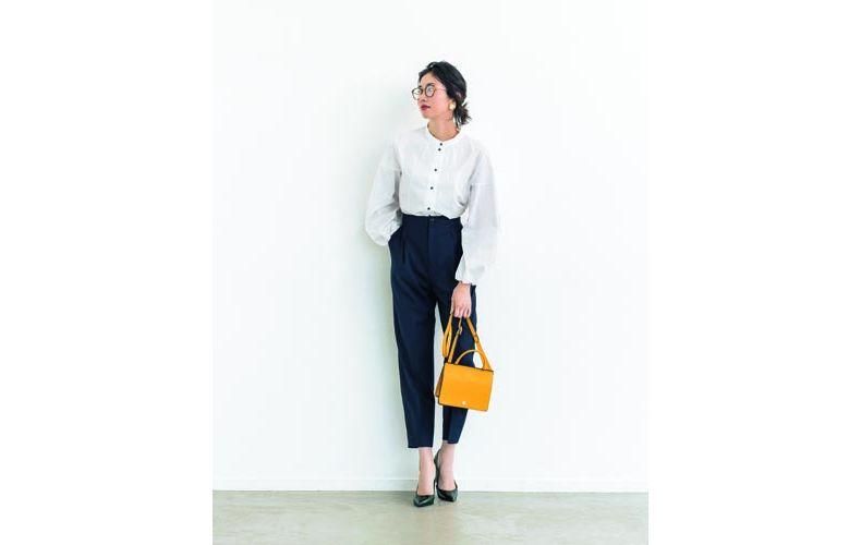 【3】黒パンツ×マオカラー白シャツ