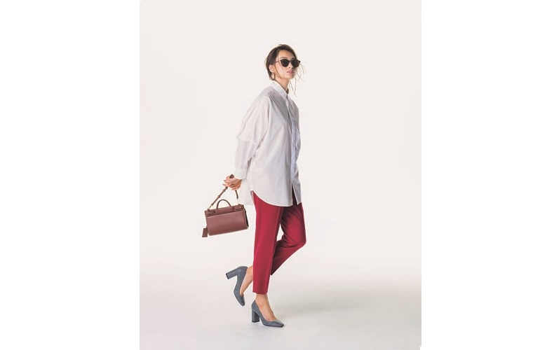 【5】ロングドルマン白シャツ×赤パンツ