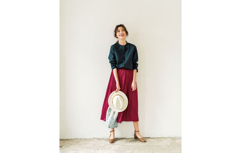 【3】ネイビーシャツ×ピンクプリーツスカート