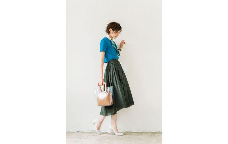 【3】水色ニット×カーキギャザースカート