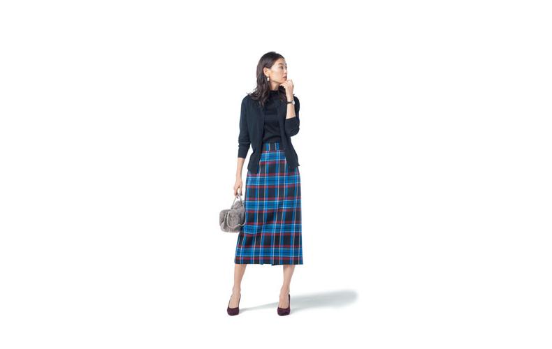 【4】ネイビーカットソー×チェックタイトスカート×ネイビーカーディガン