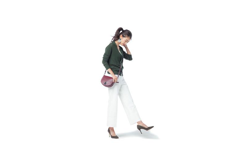 【8】白キャミソール×緑カーディガン×白パンツ
