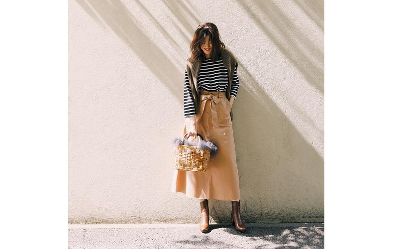 【1】ボーダーカットソー×ベージュスカート×靴下×茶色ショートブーツ