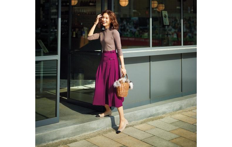 【2】ベージュニット×紫プリーツスカート