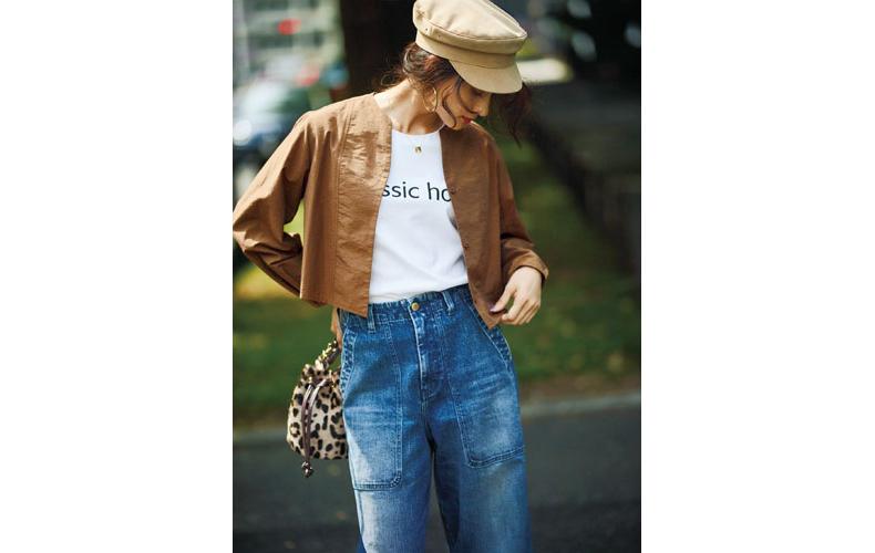 【3】茶色ブラウス×白Tシャツ×デニムワイドパンツ×ベージュキャスケット