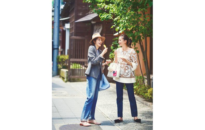 【2】チェックジャケット×ジーンズ×カジュアルな革靴