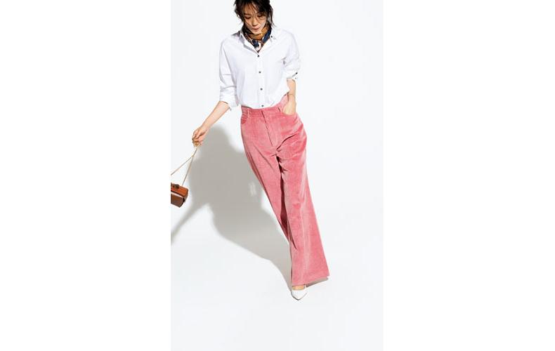 【1】白シャツ×ピンクコーデュロイパンツ