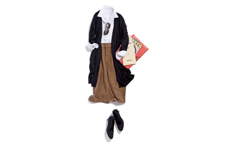【4】黒ロングカーディガン×白シャツ×茶色タイトロングスカート