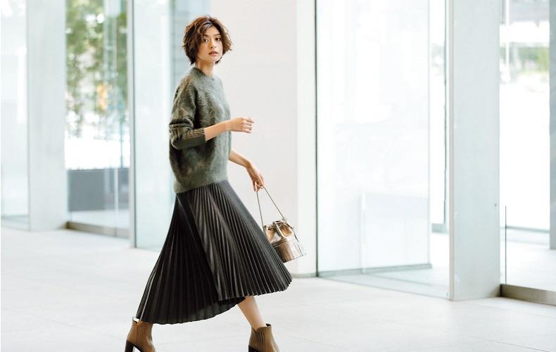 【1】オリーブグリーンニット×グレーのロングプリーツスカート