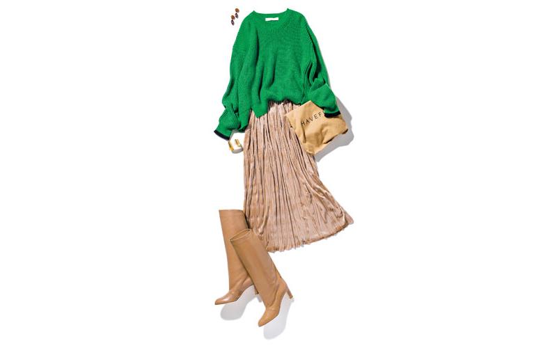 【4】緑ニット×ブーツ×ベージュプリーツスカート