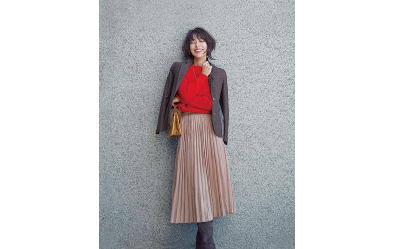 【2】チェックジャケット×ベージュプリーツスカート×赤ニット