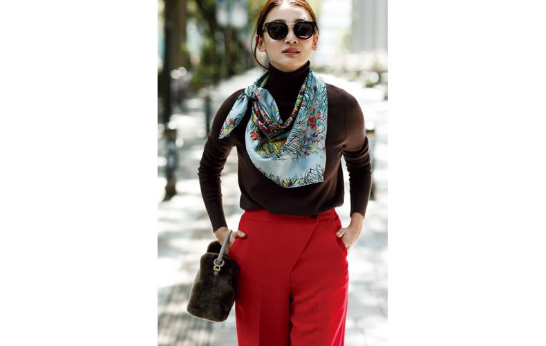〝 スタバ配色〟にはスカーフがお約束♥