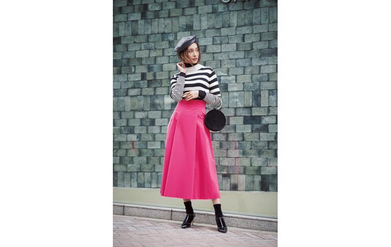 【4】ボーダーニット×ドレステリアのボックスプリーツスカート