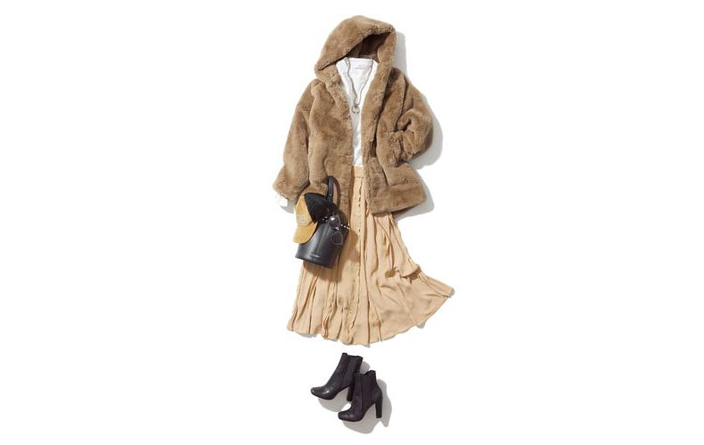 【5】ファーコート×カットソー×ベージュスカート