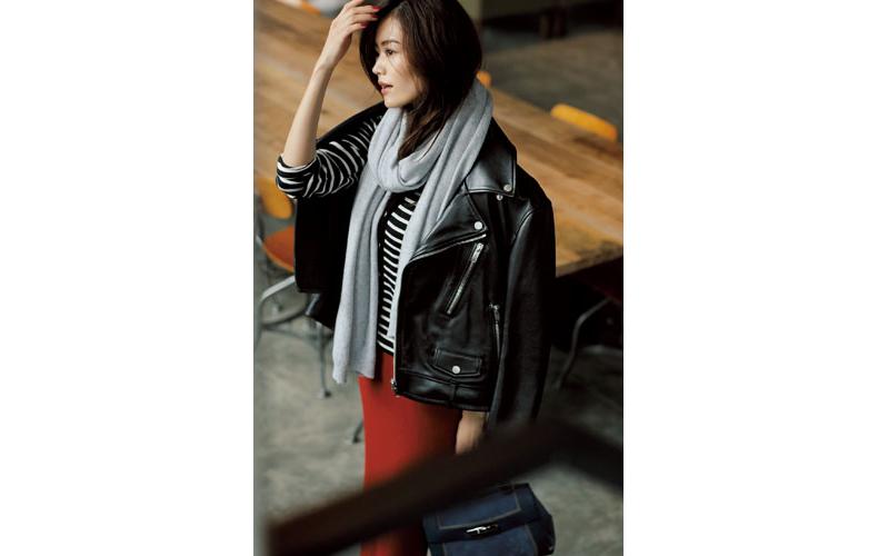 【7】ボーダーカーディガン×赤スカート×黒ジャケット
