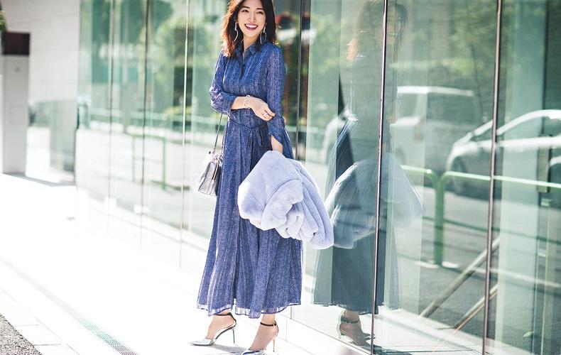 【10】水色ファーコート×ブルー柄ワンピース