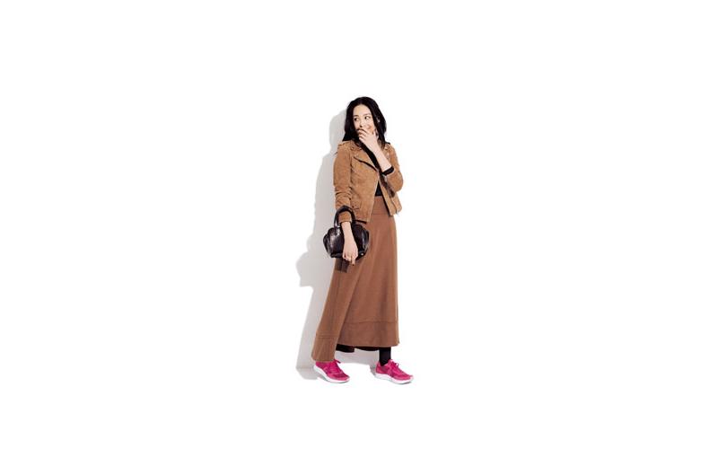 【1】黒ニット×ブラウンロングスカート×ブラウンジャケット