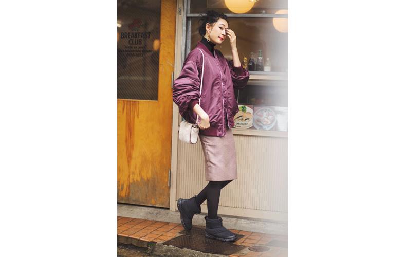 【4】ピンクジャケット×黒タートルネック×チェックスカート