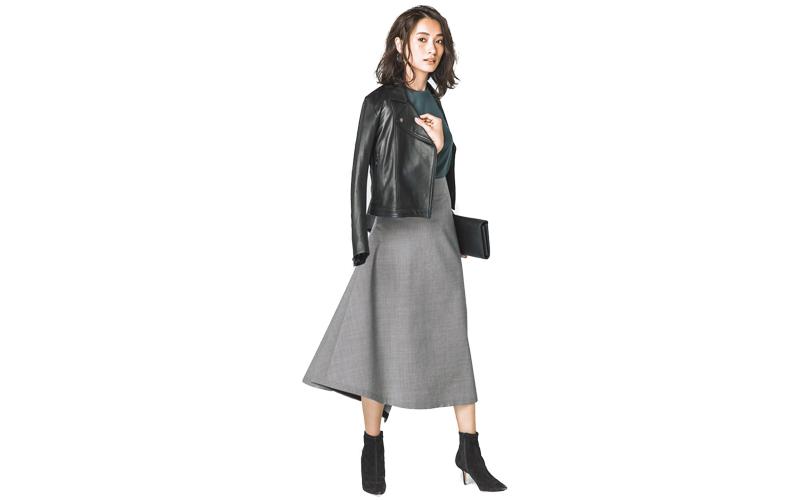 【7】緑カットソー×グレースカート×黒ジャケット