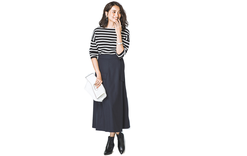 【3】ボーダーニット×黒ロングタイトスカート